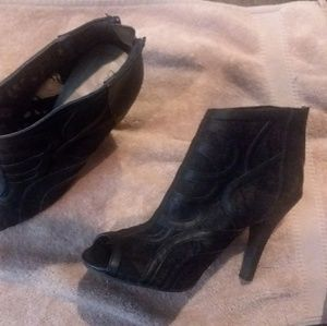 Heeled booties lace 10w